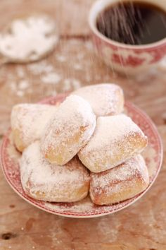 Beignets (Baked Not Fried) Homemade Beignets (Baked not Fried)- why fry when you can make beautiful light and fluffy baked Beignets.Homemade Beignets (Baked not Fried)- why fry when you can make beautiful light and fluffy baked Beignets. Fun Baking Recipes, Donut Recipes, Baking Tips, Baking Ideas, Bagels, Beignets Recipe Easy, Croissants, Easy Desserts, Bread Recipes
