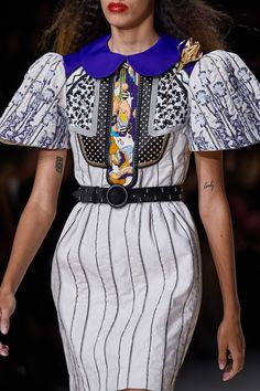 Louis Vuitton Spring 2020 Ready-to-Wear Fashion Show Details: See detail photos for Louis Vuitton Spring 2020 Ready-to-Wear collection. Look 112 Fashion Line, Fashion Week, Fashion 2020, Fashion Details, Runway Fashion, High Fashion, Fashion Show, Fashion Outfits, Fashion Fashion