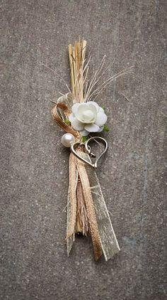 Hochzeitsanstecker Monika - Basteln & Schenken Wedding Planer, Burlap Flowers, Corsage, Home Interior Design, Got Married, Flower Arrangements, Dream Wedding, Wedding Decorations, Wedding Inspiration