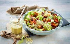 Ostesalat En fransk inspireret salat som den kendes fra 90´erne.