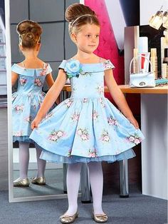 Realy nice for little princess Little Dresses, Little Girl Dresses, Cute Dresses, Girls Dresses, Flower Girl Dresses, Little Girl Fashion, Fashion Kids, Toddler Dress, Baby Dress