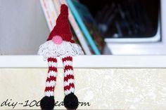 Crochet the little gnomefor your Christmas tree.
