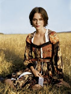 Keira Knightley's 2007 Vogue photoshoot in Africa is simply breathtaking; the outfits are so delicate and gorgeous I want them for myself.
