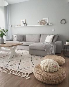 Minimalist Living Room Ideas - Looking to improve as well as fine-tune your space? Below minimalist living rooms that will motivate your spring-cleaning efforts.