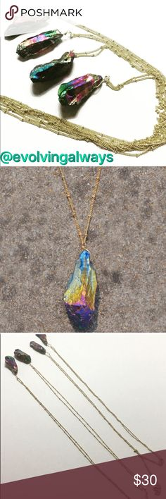 🆕Beautiful Natural Stone Multicolored Necklace Beautiful natural stone pendants with long gold tone chains. The chain is approximately 30 inches long. The actual stones are approximately 1 and a half inches long. Due to the natural stone no two will be alike in shape and size. The price is for one necklace. Thank you for visiting my boutique! Evolve Always Jewelry Necklaces