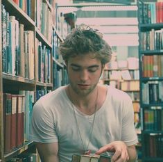 I am not sure there is anything hotter than Robert Pattinson in a library. Maybe Robert Pattinson in a library naked. Great Quotes, Quotes To Live By, Me Quotes, Inspirational Quotes, I Smile, Make Me Smile, Raining Men, Look At You, Robert Pattinson