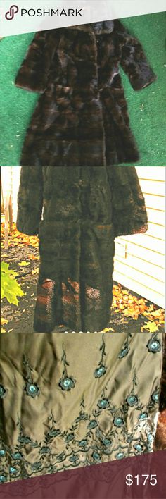 """Vintage Mink Coat Below the Knee Slim Fit No size tags, but fits our size 6-8 mannequin almost perfectly... the upper arms and bust fit too tight for comfort... so we can safely say size 4 , or 6 with slim shoulders and smaller Bust. Gorgeous horizontal mink sections are deepest chestnut brown, but appear lighter in the sun. 2 front pockets. Adorable vintage buttons + loop closure. """"Hess Furs NY"""". Interior lining is super fancy! Fairly heavy, may be up charge for shipping. Only flaw is a…"""