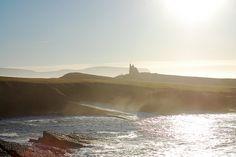 """El vídeo """"Messed up at Mullaghmore"""" (destrozado en Mullaghmore) ha dado la vuelta al mundo del surf tras ser elegido como mejor vídeo del año en el Festival Irlandés de Surf de este mismo año. Olas gigantes, frío, viento… nada es suficiente para impedir a estos héroes disfrutar de esta increíble izquierda, y el resultado ha sido un vídeo que te pondrá la piel de gallina. #surf #video #deporte #extremo #xports"""