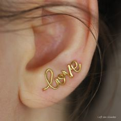 Name Earrings, Minimalist Earrings, Personalized Earrings, Personalized Jewelry, Stud Earring, Ear Climbers, Gift for Her, BridesMaid Gift Name Earrings, Earrings Photo, Conch Earring, Tragus Earrings, Etsy Business, Minimalist Earrings, Climbers, Creative Gifts, Personalized Jewelry