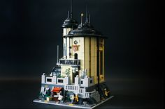Mad Scientist modular laboratory complete with mad interiors!