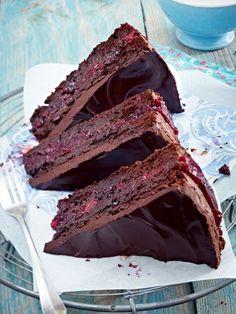 Der schokoladigste Kuchen aller Zeiten: Death by Chocolate. Ein saftig weicher Schokoboden, umhüllt von einer zarten Schokodecke - mehr