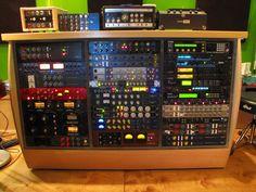 Focusrite Red3, Roland Space Echo, Maestro Echoplex, Pendulum Audio OCL-2, 2xFocusrite ISA 110, UA LA-3, 2x UA 1176LN, EMI TG 1 Limiter, API 2500, 2xEmpirical Labs EL8 Distressor, 2x CL 7200, Alesis Masterlink 4, 2xEMI TG 2, Neve?, TC Electronic?, Lexicon?, Roland? API Lunchbox