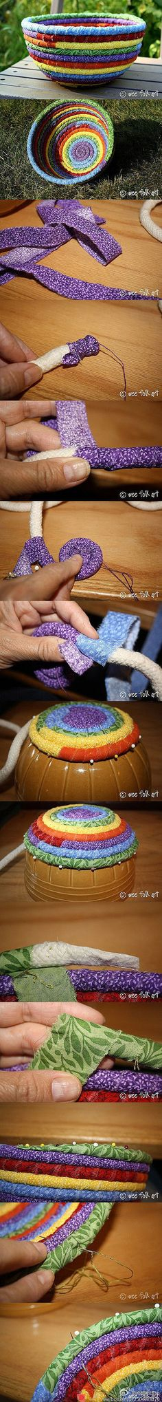 Rope basket: something to do with all those fabric scraps! Crafts To Make, Fun Crafts, Arts And Crafts, Creative Crafts, Sewing Hacks, Sewing Crafts, Sewing Tutorials, Tshirt Garn, Craft Projects
