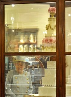 The window at Fortnum and Mason,I spy the queen