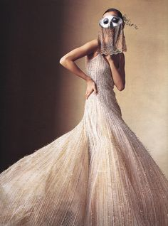 """""""How to Wear Couture"""" Maggie Rizer by Irving Penn Vogue April 2000 / Gaultier Paris Couture #editorial"""