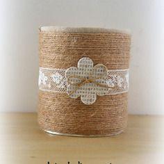 Ficelle , dentelle et lin pour ce pot à coton , pot à crayons, cache-pot ,....
