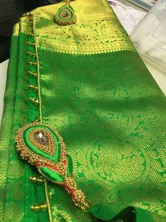 Saree Tassels Designs, Saree Kuchu Designs, Blouse Designs Silk, Embroidery Works, Embroidery Designs, Georgette Sarees, Silk Sarees, Maggam Works, Saree Border