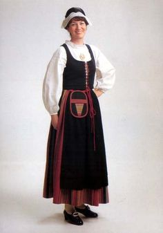 National costume of Finland We Are The World, People Of The World, Sweden Costume, Group Costumes, Folk Costume, Traditional Dresses, Finland, Scandinavian, How To Wear