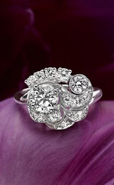 The beautiful detail of this antique ring is stunning.