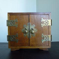 Vintage Oriental Jewelry Box Solid Wood w/Brass Hardware