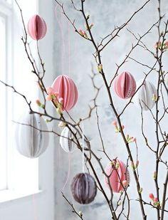 Cherry branches with paper eggs  ~  Det finaste påskriset görs av körsbärskvistar.