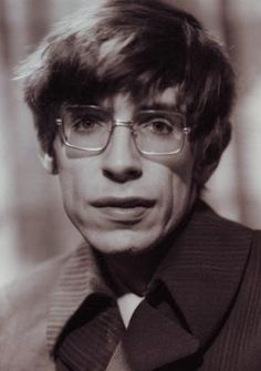 British Physicist Stephen Hawking, the most iconic and brilliant scientist of his generation, has died aged Stephen Hawking Young, Professor Stephen Hawking, Stephen Hawking Quotes, Stephan Hawkings, Pin Up, Ludwig, Physicist, High Society, Roman Catholic