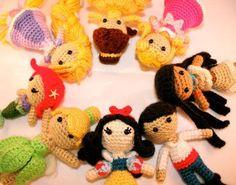 Princesses / Snow white, Prince, Pocahontas, Aurora, Belle, Tangeled, Ariel & Tinkerbell