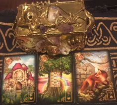 January 4th:  Lenormand Universal Day Spread:  Day:  4:  House Day + Month:  4 + 1 = 5: Tree Day + Month + Year:  4 + 1 + 9 (2+0+1+6) = 14:Fox:  House:  King of Hearts:  Water Tree: Seven of Hearts:  Water Fox:  Nine of Clubs:  Air House:  Neutral Tree: Neutral Fox: Neutral Message: Today in the cards I see you thinking about the family (house) in a situation of health (tree), which could result in contacting a specialist (fox). Go to:  dnaprofilesapp.com/lenormand #annewalner #lenormand…