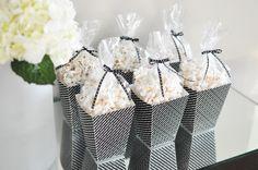 Caja para palomitas de maíz | http://secreter.es/caja-para-palomitas-de-maiz/
