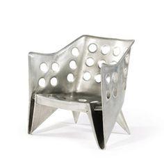 """Gerrit Thomas Rietveld's """"Aluminium Stoel"""" - Gerrit Thomas Rietveld #Historia #Arte #Design @Qomomolo"""