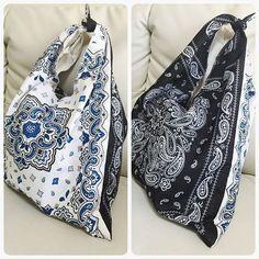 今おしゃれに敏感な女性やママたちの間で、「バンダナバッグ」が流行しているのを知っていますか?大きなマルシェバッグの形で、容量たっぷりなので荷物がたくさん入ります。少しレトロな雰囲気が今っぽいと、ファッショニスタの間で大人気のアイテムなんです♡肩掛けでも手持ちでも使える便利なバッグを、100円ショップで売っているバンダナを使って手作りしましょう♪簡単な上に、たったの300円で手作りできますよ♪ | ページ1