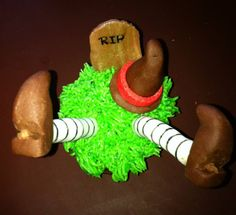 Cupcakes para Halloween de vainilla con buttercream verde de vainilla. Detalles realizados en fondant