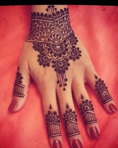 With the passage of time mehndi designs are becoming one of the most famous ones. There are varieties of new mehndi designs that have been introduced inside the fashion marketplace. We all know that the main aim of mehndi designs … Continue reading → Mehndi Tattoo, Mehandi Henna, Henna Tattoo Designs, Mehndi Art, Mehendi, Mandala Tattoo, Arabic Mehndi Designs, Mehndi Patterns, Mehndi Images