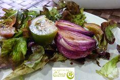 Cebollas rojas asadas con vinagre balsámico. http://www.lospostresdeelena.com/2013/10/cebollas-rojas-asadas-con-vinagre.html