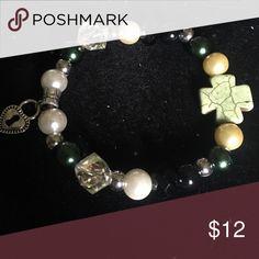 Ankle bracelet green w pearls lock Beautiful ankle bracelet hand made Jewelry Bracelets