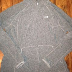 North face jackets Heather grey in color excellent condtion size xl The North Face Jackets & Coats
