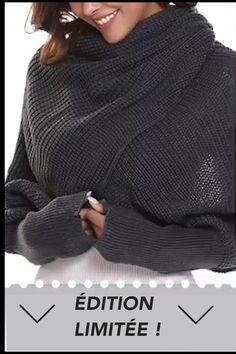 AURÈLE est une écharpe unique en maille à manches longues qui vous permet de vous démarquer de la foule. Elle est idéale pour le quotidien, les fêtes, le travail, les rendez-vous, les soirées et les boîtes de nuit. Cozy Scarf, Sweater Scarf, Wrap Sweater, Knitting Wool, Mode Outfits, Scarf Styles, Autumn Winter Fashion, Shawl, Sleeves