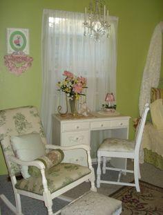 Vintage rose bedroom.