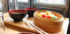 Bistrot japonais Tsubame, 40 rue de Douai, 75009 Paris Ouvert du mardi au samedi Tél : 01 48 78 06 84, réservation conseillée Le midi, environ 12€ le bento Le soir, saké et tapas à la carte
