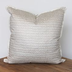 Color Crush: White and Gold // Fortuny Pillow // www.alwayssummerblog.com