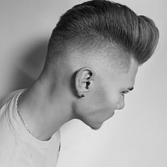 mikeyyyyyyy_-medium-mens-haircut-cool-hairstyle