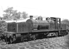 Baddesley Colliery Sidings, Atherstone: Beyer Peacock Works No 6841 'William Francis' is seen standing at Baddesley Colliery on September 1963 Heritage Train, Railroad Pictures, Rail Transport, Steam Railway, Standard Gauge, British Rail, Old Trains, Steam Engine, Steam Locomotive
