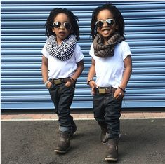 Stylish Twins Are the Cutest Little Things We've Ever Seen These twins pull off infinity scarves and belted jeans at a young age. //These twins pull off infinity scarves and belted jeans at a young age. Fashion Kids, Little Boy Fashion, Baby Boy Fashion, Fashion Games, Fashion Fashion, Fashion Outfits, Fashion Trends, Swag Outfits, Boy Outfits