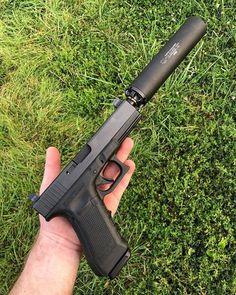 Zombie Weapons, Weapons Guns, Guns And Ammo, Revolver, Armas Ninja, Custom Guns, Military Guns, Cool Guns, Assault Rifle