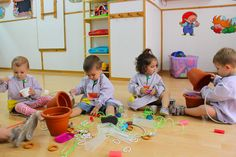 joc heurístic Calgary, Ideas Para, Montessori, Infant, Abs, Kids Rugs, Heuristic Play, Games, School