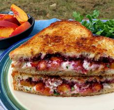 Blackberry Peach Grilled Goat Cheese: this simple sandwich utilizes fresh grilled peaches, sweet blackberry jam and tangy goat cheese. It tastes like dessert for dinner. Goat Cheese Sandwiches, Wrap Sandwiches, Food Dog, Clean Eating, Eating Well, Cooking Recipes, Healthy Recipes, Meal Recipes, Burger Recipes