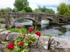 Old Packhorse Bridge situated on the outskirts of Bakewell Town, Derbyshire Bakewell Derbyshire, Old Bridges, History Of England, English Village, Garden Bridge, Travel Pictures, Countryside, Places To Visit, Around The Worlds