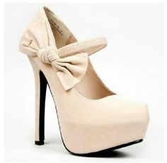 Nude heels with bow