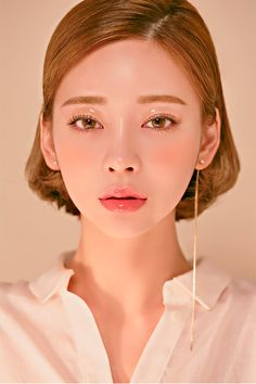 Makeup Tools – Here's What You Need To Get That Perfect Look – Makeup Mastery Korean Makeup Look, Asian Makeup, Korean Beauty, Asian Beauty, Beauty Makeup, Hair Makeup, Hair Beauty, Eye Makeup, Girl Face