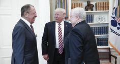 Sergueï Lavrov, Donald Trump et l'Ambassadeur Sergey Kislyak lors d'une réunion à Washington.  LES MEDIAS MERDE SONT DIRIGER PAR DES PERSONNES !!!!!!!!!!!!